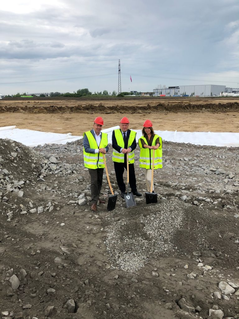 Groundbreaking ceremony for Logicenters' logistics facility